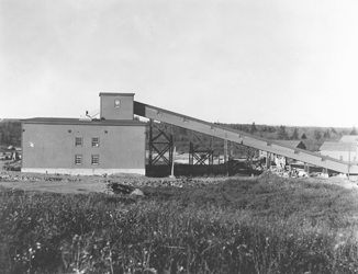 Black and white photograph of the Seal Harbour Gold Mines Ltd. cyanide mill circa 1930s.